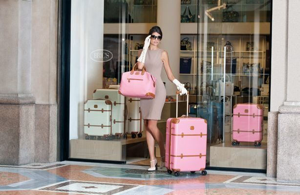 brics__pink__luggage__01.jpg